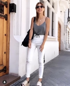 PANTALON CINDY ENGOMADO /WHITE - Rebeca Shoes