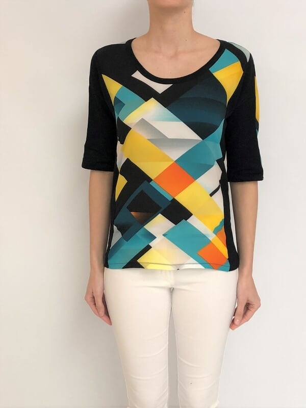 SWEATER C/RECORTES C/ESTAMPADO (29800)