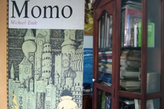 Momo   - Michael Ende  -  ISBN 9788420432113