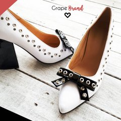 Stilettos CAROL (Taco Ancho) -- Blanco - Moño Negro - Grape Brand