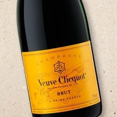 Champagne Veuve Clicquot Brut 750 mL - Fracaro Wine | Vinhos Online com Descontos Exclusivos