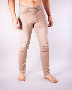 Pantalón Scotty Slim Fit Tostado