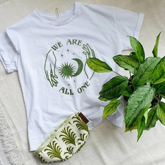 Kit Love The Planet (Camiseta + Planta Purificadora en Decobag) - comprar online