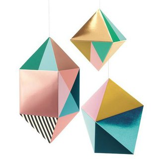 hanging-decorations-prism-colors-djeco