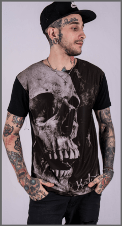 Remera Gloom