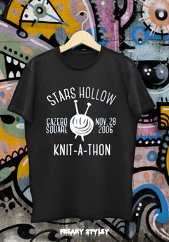 REMERA GILMORE GIRLS KNIT-A-THON SEASON 7