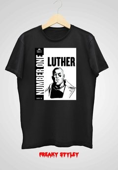 REMERA UMBRELLA ACADEMY LUTHER