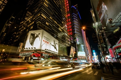 TIMES SQUARE RAYS OF LIGHT VII - Guilliame Gaudet - comprar online