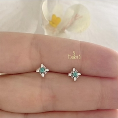 ARETES MINI STAR EMERALD