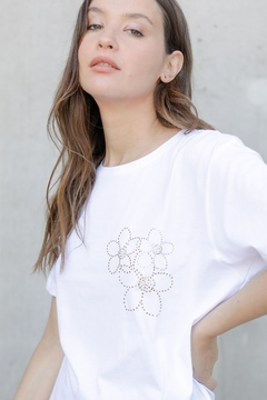 Remera Golden Bloom