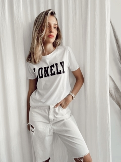 REMERA LONELY (D1881)
