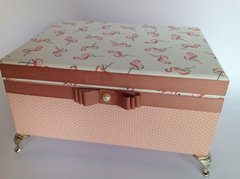 Caixa Decorativa flamingo - Art In The Box Gi Moraes Almeida
