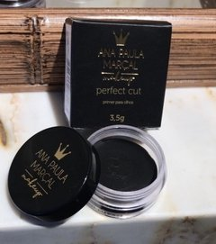 Perfect cut black