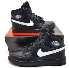 "Tênis Nike Air Jordan 1 Chicago ""Black White"" (Masculino)"