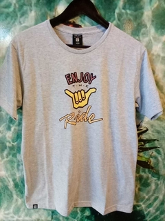 REMERA GRAMEY HANG LOOSE - Homero young wear
