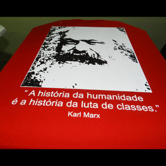 CAMISETA UNISSEX KARL MARX: LUTA DE CLASSES - comprar online