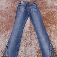 Calça Flare Bordada Miss Country Glamour 188 na internet