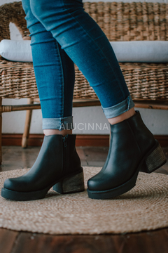 SAGITARIO NEGRO - Alucinna Trendy Shoes