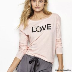 Camiseta LOVE de Victoria`s Secret bordadas