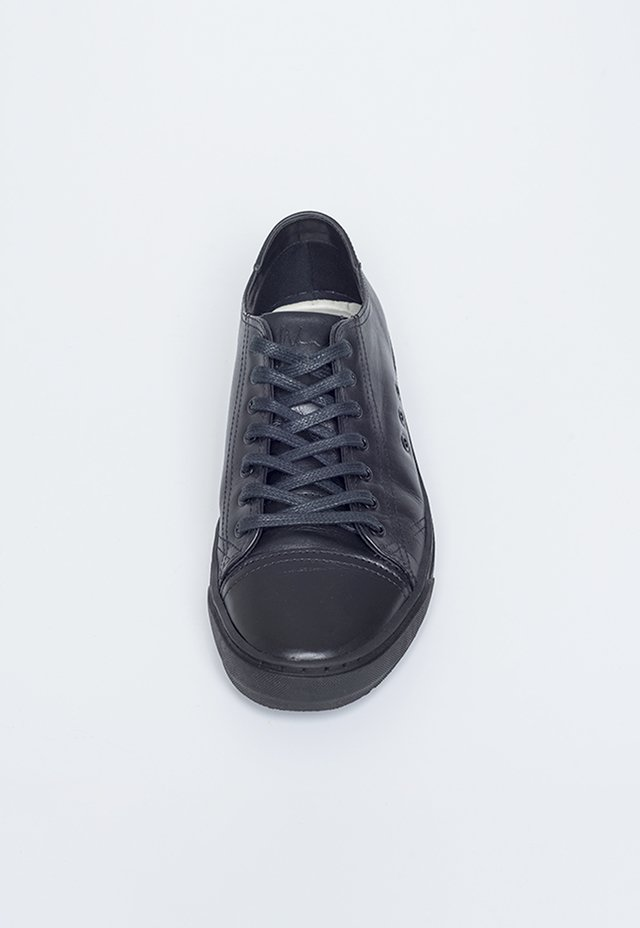 TENIS WON KINGS LOOK PRETO - comprar online