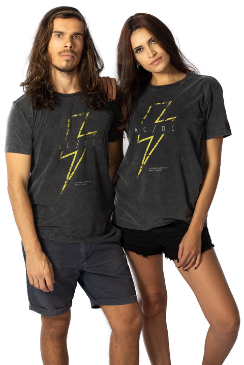 CAMISETA HIGH VOLTAGE