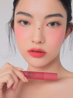 Imagen de 3CE - BLURRING LIQUID LIP #CHAPTER PINK