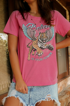T-SHIRT BELIEVE POWER FUCHSIA ROSE on internet