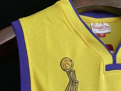 Los Angeles Lakers - NBA Finals 2008/09 - Mitchell and Ness - BRYANT #24 - comprar online