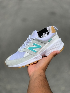 Tênis New Balance 574 Cinza e Verde - Substore Sneakers