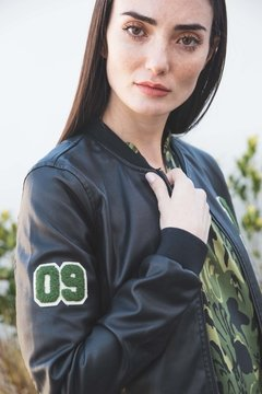 Campera Bomber Black on internet