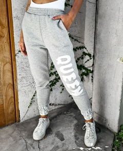 Jogger frizado Queen Art 70021