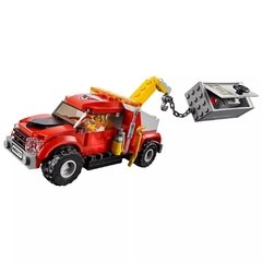LEGO City Tow Truck Troble (Caminhão Reboque) - 60137 na internet