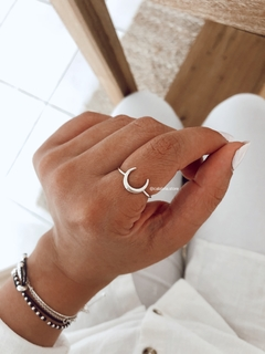Anillo mini luna invertida