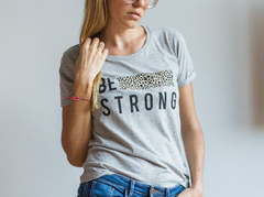 Remera be strong - comprar online