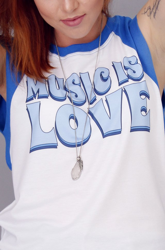 REGATA RAGLAN FEMININA MUSIC IS LOVE - comprar online