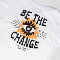 Remera BE THE CHANGE Blanca - Oversize - comprar online