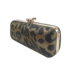 Clutch Rigido Estampado c/ herraje en internet