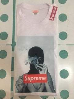Camiseta Supreme Smoking Girl