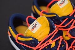 "Nike Dunk Low x Off-White ""University Gold Midnight Navy"" na internet"