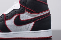 "Tênis  Jordan 1 High ""Bloodline"""