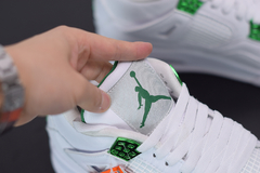 Imagem do Tênis Air Jordan 4 ''Metallic Green""