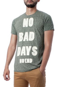 REMERA NO BAD DAYS (35234) en internet