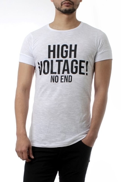 REMERA HIGH VOLTAGE! (35205) - comprar online