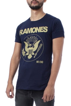 REMERA RAMONES NO END (35239)
